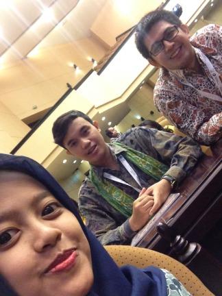 Mahasiswa IISIP Jakarta yang jadi relawan KNH2015
